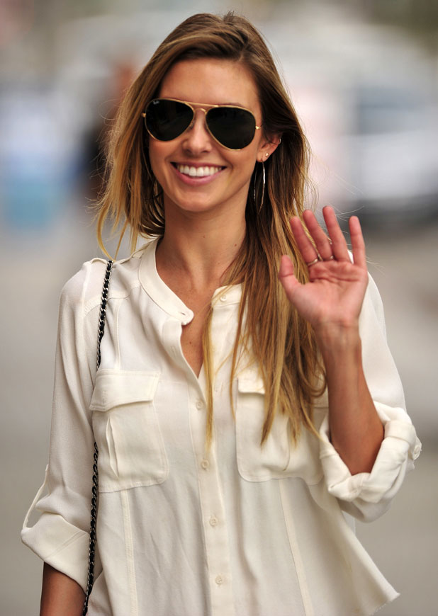Audrina Patridge out shopping on Robertson Boulevard in Los Angeles, 21 January 2014