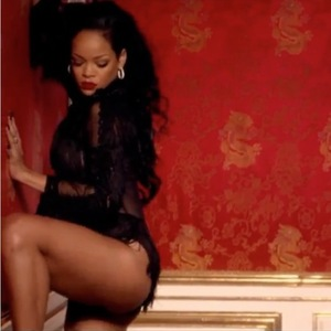 Rihanna in music video for 'Can't Remember To Forget You'. (29 January 2014).