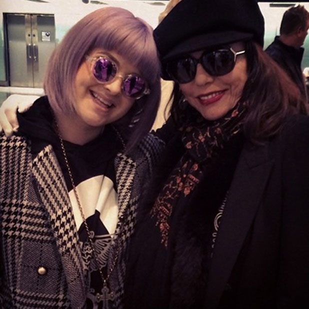 Kelly Osbourne meets Joan Collins on a flight from Los Angeles to Heathrow, London, 30 January 2014