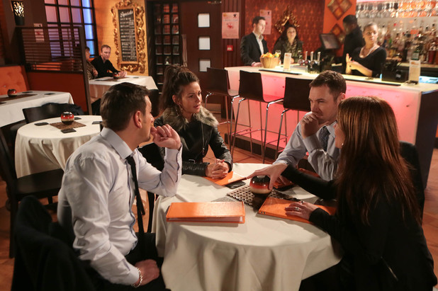 Corrie, Carla sets Rob and Tina up, Wed 5 Feb