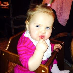 Imogen Thomas in Valentine's Day spirit - daughter Ariana - 14.2.2014