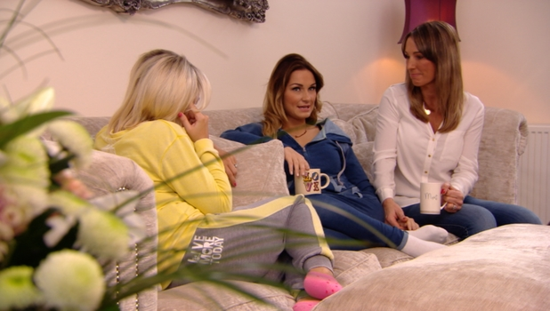 Billie Faiers and Sam Faiers share tears and hugs with their mum on TOWIE, 23 February