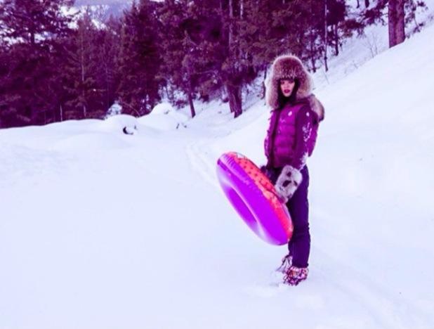 Rihanna celebrates 26th birthday in snowy Aspen!
