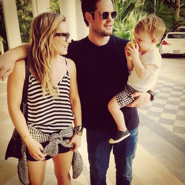 Hilary Duff spends Valentine's Day with estranged husband Mike Comrie and son Luca - 14.2.2014