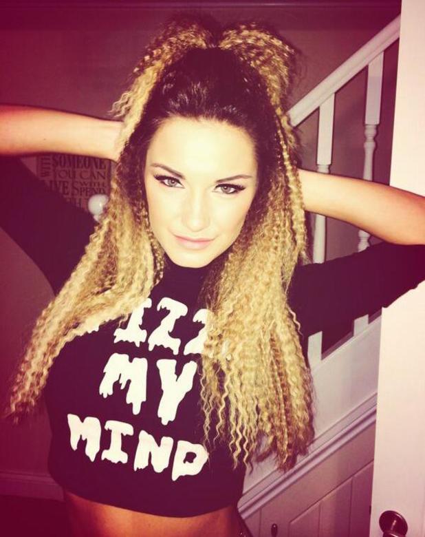 Sam Faiers crimps hair for Beyonce gig, 28 February 2014