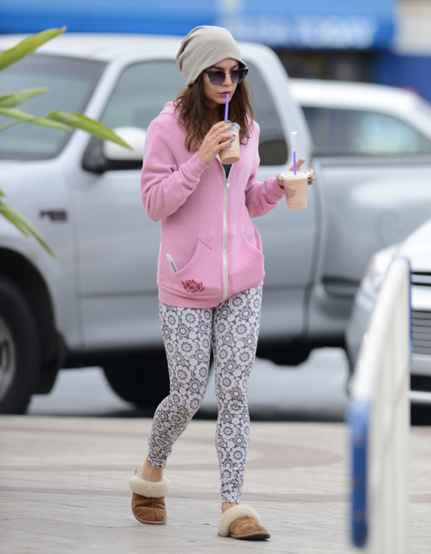 Vanessa Hudgens picks up two coffee drinks after her workout - 26.2.2014