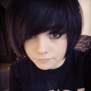 Ramona Marquez from Outnumbered cuts her hair into a black bob - 5 March 2014