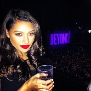The Saturdays' Vanessa White at Beyoncé's concert in London (6 March 2014).