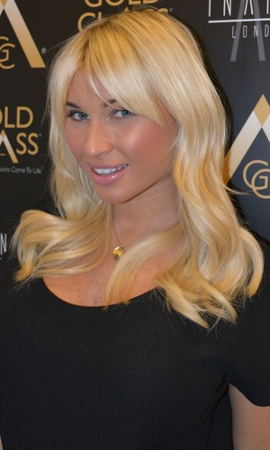 Billie Faiers gets new Gold Class Hair extensions at Inanch London - 5 March 2014