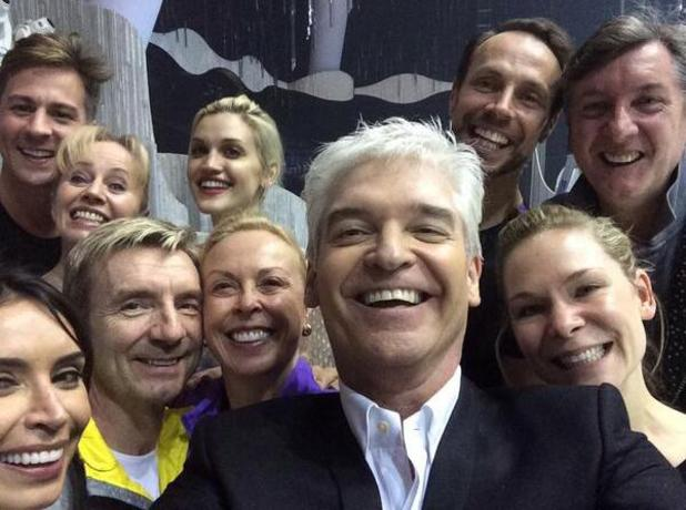 The cast of Dancing On Ice recreate famous Oscars selfie, 8 March 2014