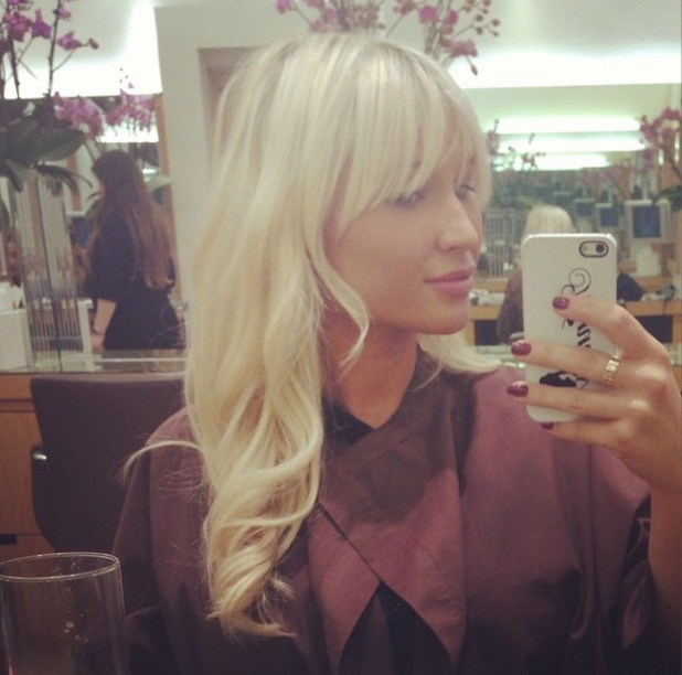Billie Faiers shows off longer hair in new Instagram photo - 6.3.2014