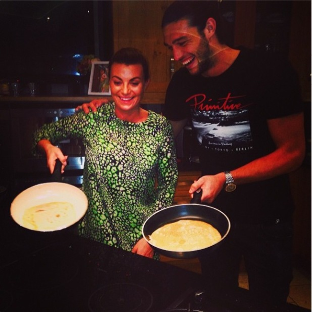 Billi Mucklow makes pancakes with boyfriend Andy Carroll. (4 March 2014).