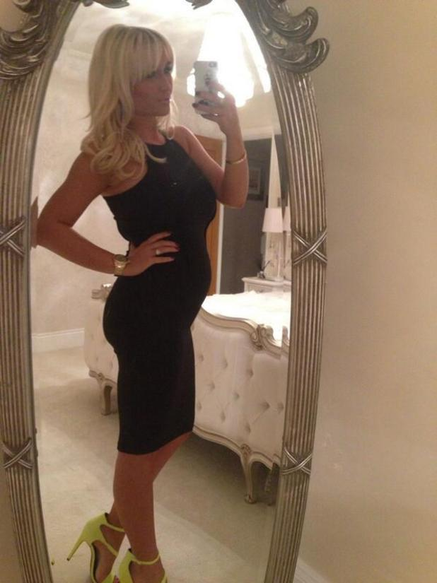 Billie Faiers posts picture of baby bump before a night out, 8 March 2014