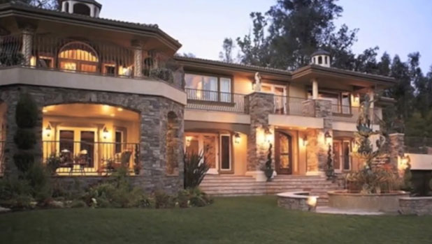 A shot of the house used for Kardashian-Jenner home in Keeping Up With The Kardashians.