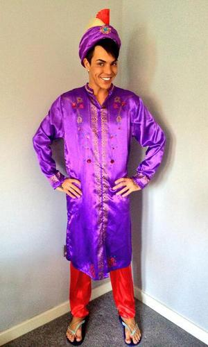 TOWIE's Bobby Norris dresses up as Aladdin. (9 March 2014).
