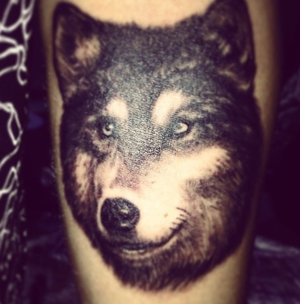 Made In Chelsea's Oliver Proudlock shows off new wolf tattoo (10 March 2014).