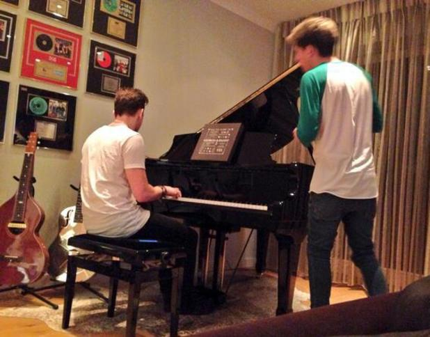 McFly's Danny Jones writing songs with One Direction's Niall Horan (18 March).