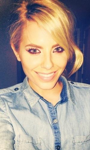 The Saturdays' Mollie King copies Frankie Sandford's hairstyle in an Instagram picture - 25 March 2014