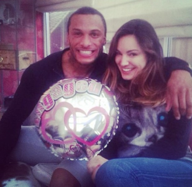 Kelly Brook confirms her engagement in Insat pic