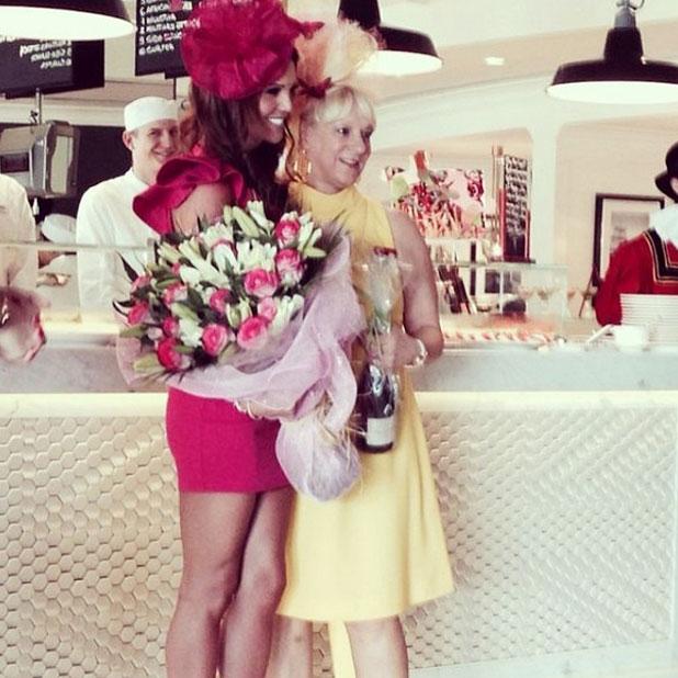 Danielle Lloyd wins Best Dressed at the Dubai Races, March 2014