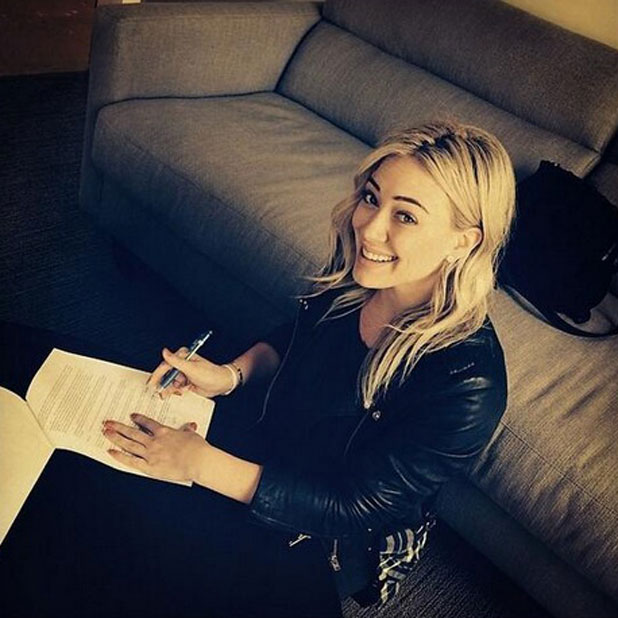 Hilary Duff signs a new record deal, 28 March 2014