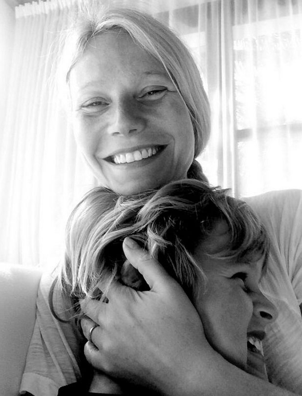 Gwyneth Paltrow is still wearing her wedding ring in picture to mark son Moses' eighth birthday, 8 April 2014
