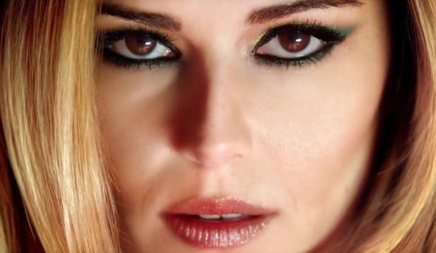Cheryl Cole in L'Oreal Feria advert