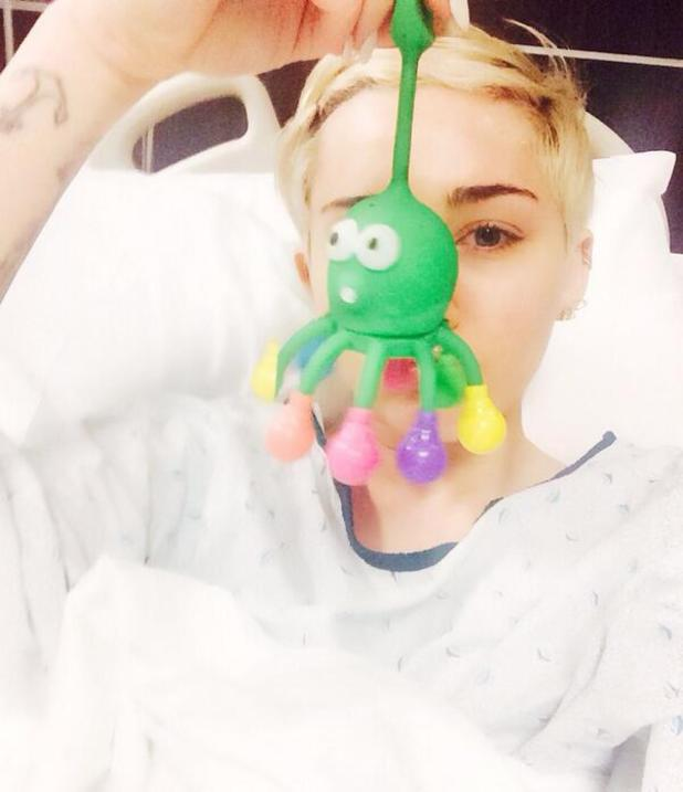 Miley Cyrus admitted to hospital after reported allergic reaction - 16 April 2014