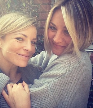 Kaley Cuoco-Sweeting shows off her new short bob haircut while posing with her hairdresser Christine Symonds - 23 April 2014
