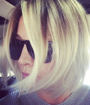 Kaley Cuoco-Sweeting shows off her new short bob haircut - 23 April 2014