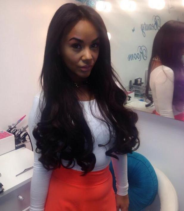 Chelsee Healey shares photograph of her new dark hair and extensions - 24 april 2014