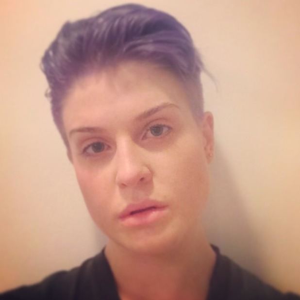 Kelly Osbourne shares picture of new shorter haircut in make-up free selfie, 2 May 2014