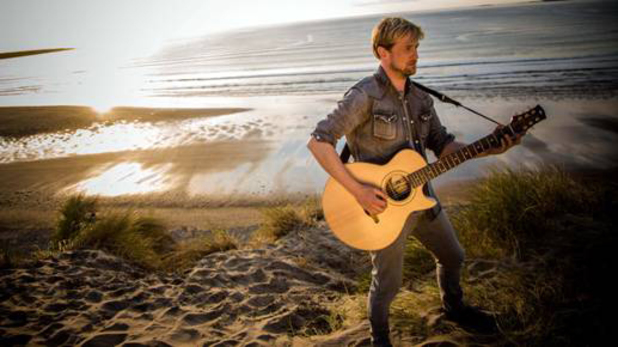 Kian Egan pictured in new video for I'll Be - 9 May 2014