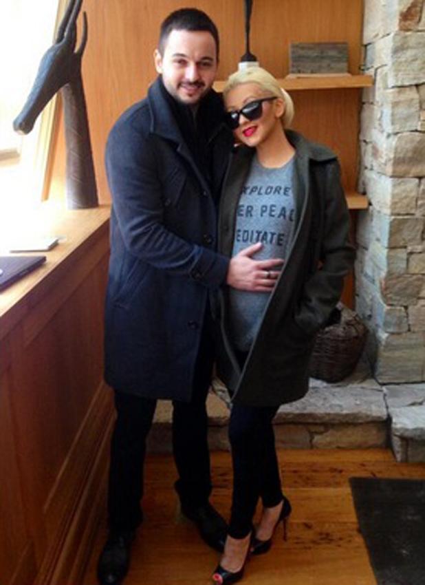 Christina Aguilera confirms her pregnancy, April 2014
