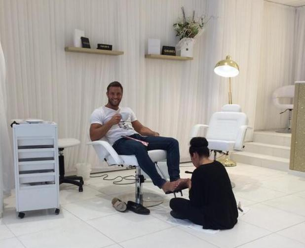TOWIE's Elliott Wright enjoys a pedicure at Chloe's Beauty Bar in Essex (22 May).