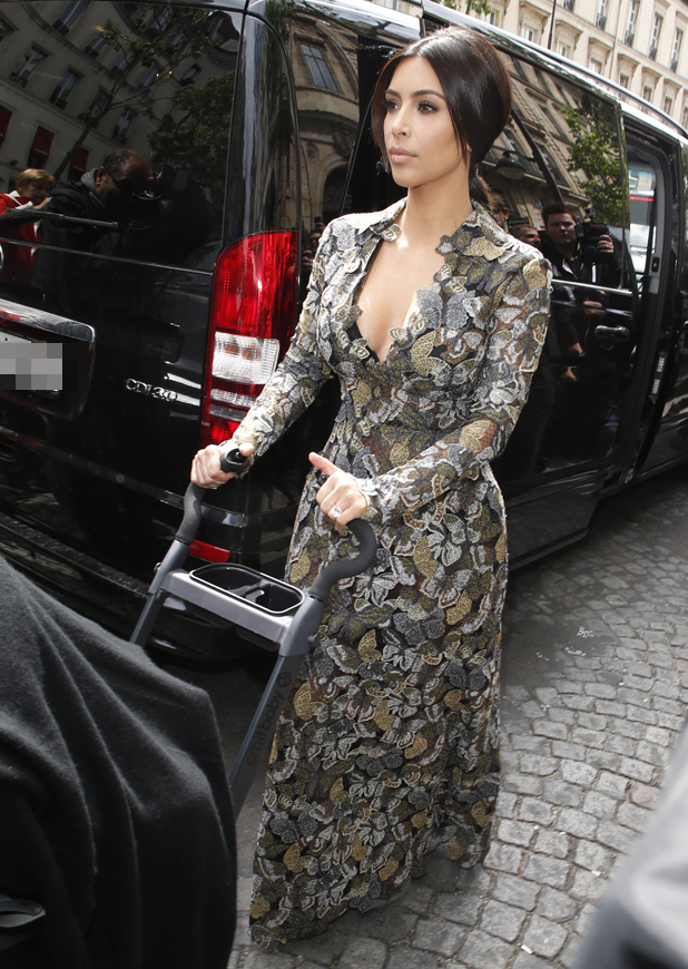 Kim Kardashian heads to Valentino's castle in Paris, 23 May 2014