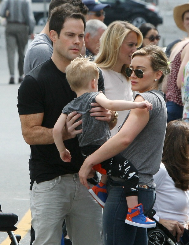 Hilary Duff and Mike Comrie with baby Luca at the farmers' market in Beverly Hills, 25 May 2014