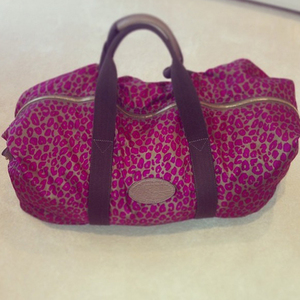 Billie Faiers tweets a picture of her Mulberry bag packed for the hospital, 4 June 2014