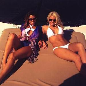 Danielle Armstrong posts picture from Marbs with Jessica Wright, 7 June 2014