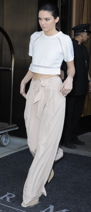 Kendall Jenner wears baggy beige trousers while out in New York, America - 2 June 2014