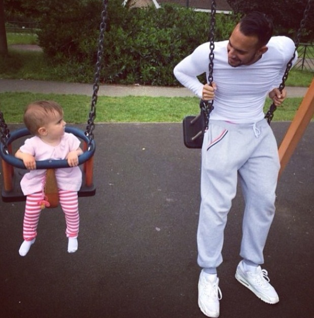 Big Reunion and 5th Story star Kenzie joins his daughter Wynter on the swings at the park - 3 June 2014