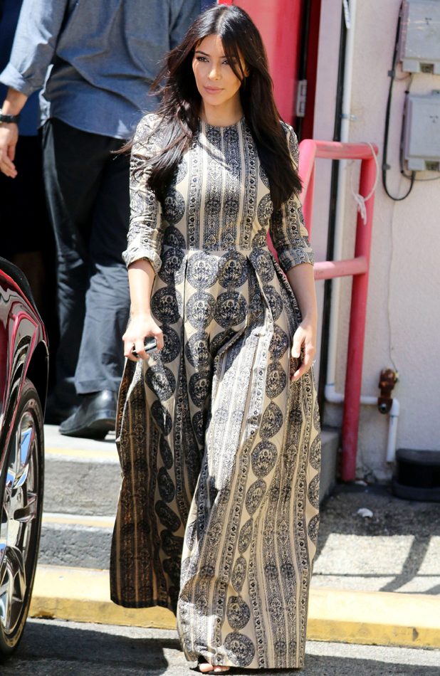 Kim Kardashian out in LA for lunch after returning from honeymoon, 3 June 2014