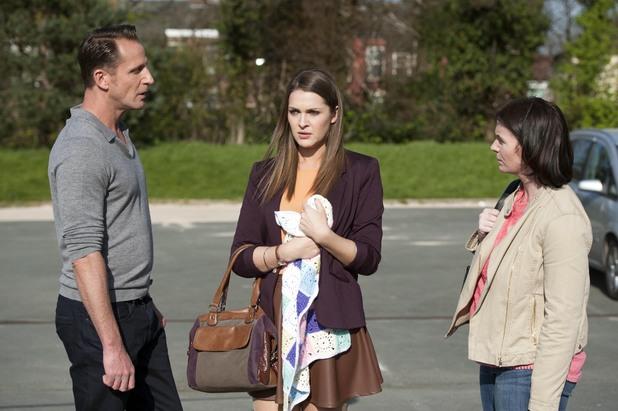Hollyoaks, Sienna meets her daughter, Thu 12 Jun