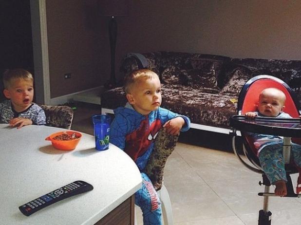 Danielle Lloyd misses her kids while in Vegas, Jun 14.