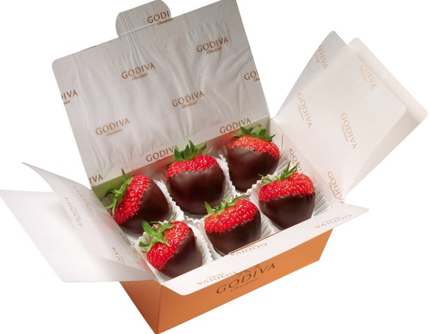 Strawberries dipped in chocolate in box