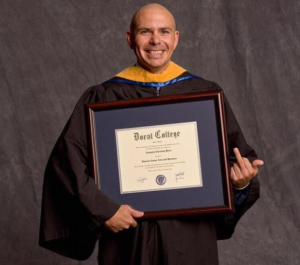 Pitbull swears with middle finger after getting honorary degree - 19 June 2014
