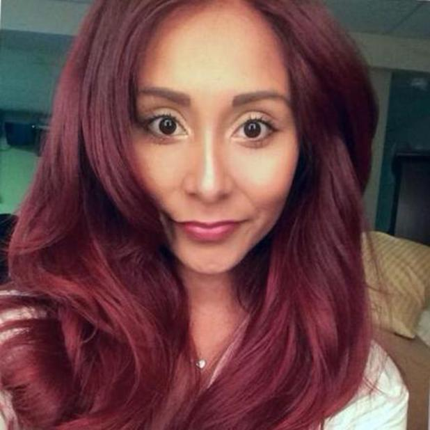 Snooki shares a selfie wearing less make-up on hot day, 21 June 2014
