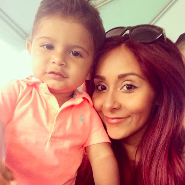 Snooki shares picture with her son Lorenzo, 22 June 2014