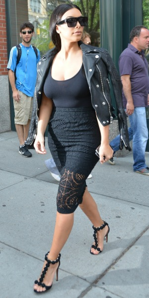 Kim Kardashian steps out in lacy LBD in New York, 17 June 2014