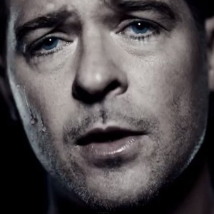 Robin Thicke pines for ex-wife Paula Patton in new 'Get Her Back' music video. (23 June).